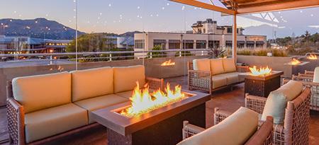 Hotel nav outdoor sitting area